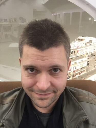 Eikö kynä luista? Kutsu avuksesi tämä mies, viestinnän asiantuntija Jaakko Kilpeläinen!